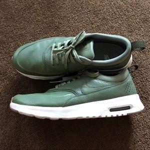 Nike Thea Air Sneakers